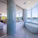 Brighthouse-Ocean-Mountain-View-Room-03.jpg