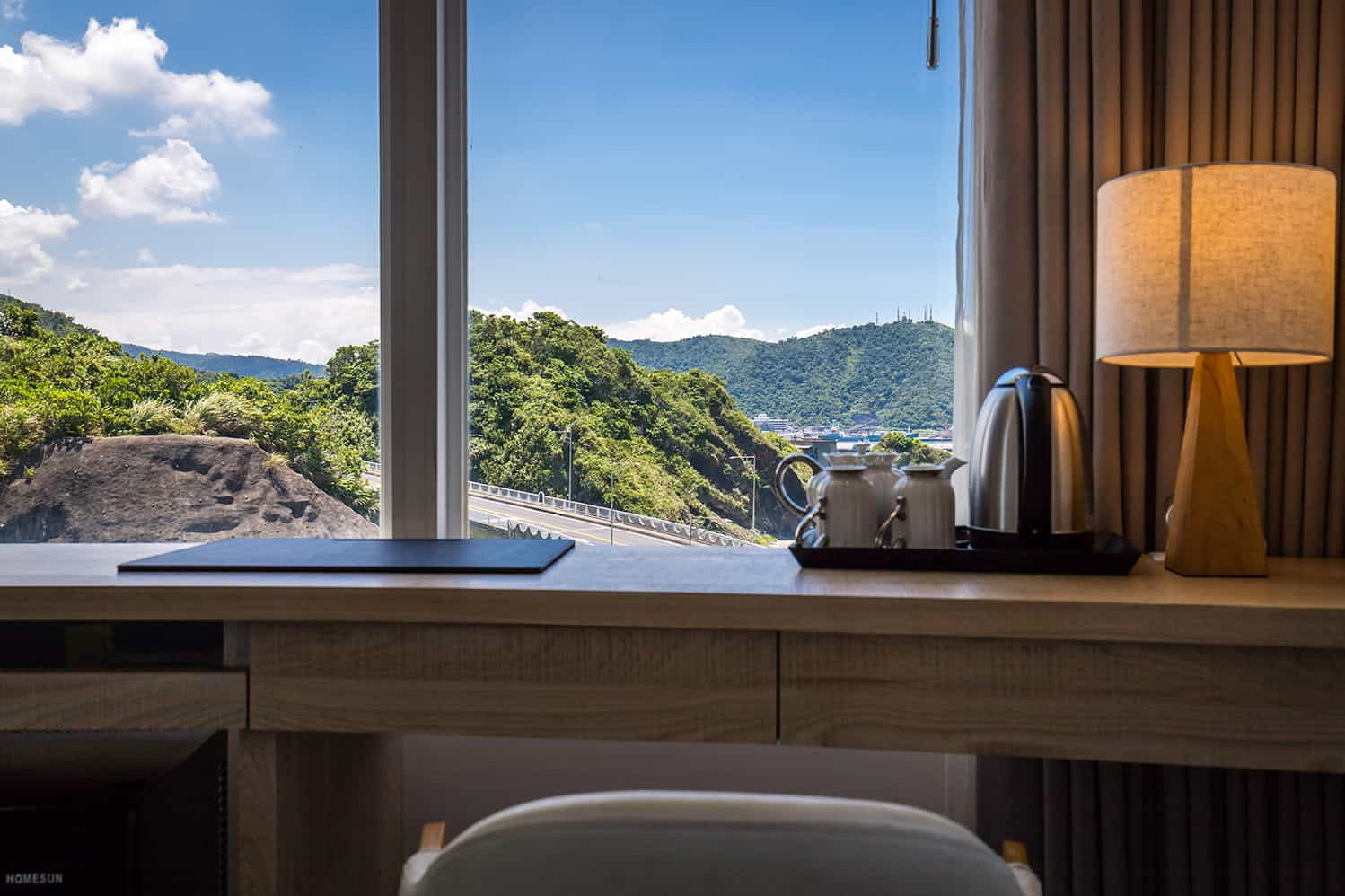 Brighthouse Ocean Mountain View Room 09